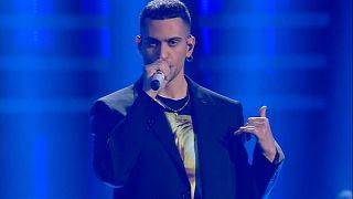 Sanremo: premiato Mahmood, stasera i duetti