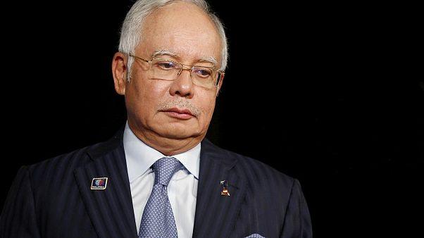 Eski Malezya Başbakanı Necip Rezak'a kara para aklama suçlaması