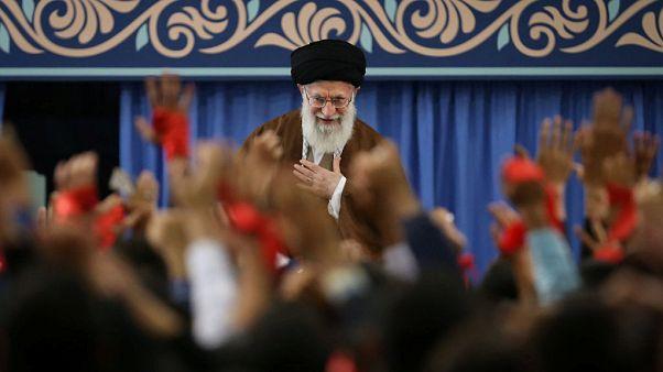 خامنهای: مرگ بر آمریکا یعنی مرگ بر ترامپ و جان بولتون و پمپئو، با ملت آمریکا کاری نداریم