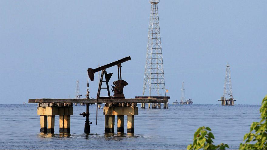 صادرات نفت ایران به زیر ۱ میلیون بشکه رسید