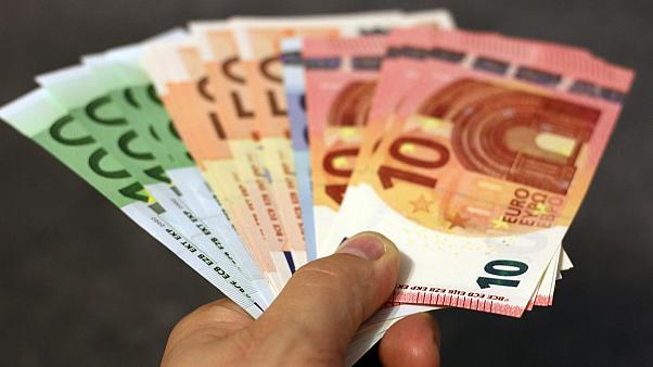 أوراق مالية نقدية
