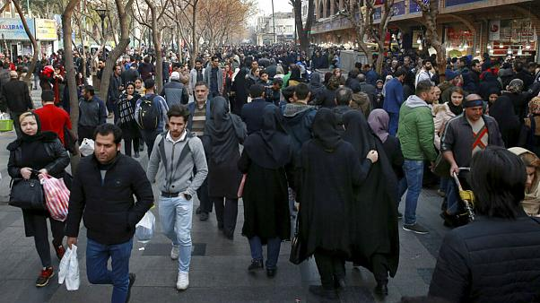 پارادوکس ۴۰ ساله اقتصاد ایران؛ از صفهای طولانی گوشت تا افزایش امید به زندگی ایرانیان