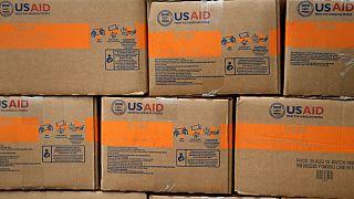 مادورو: جلو شو کمکهای بشردوستانه را میگیریم