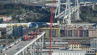 Restos da Ponte Morandi estão a ser demolidos para dar lugar a novo viaduto