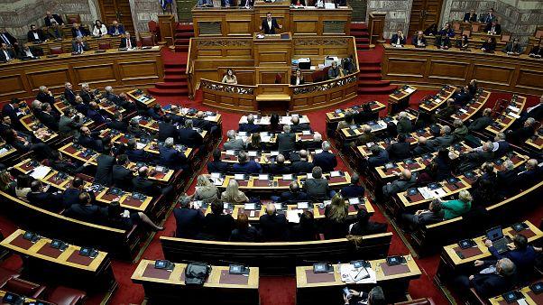 Yunanistan Makedonya'nın NATO üyelik protokolünü onayladı