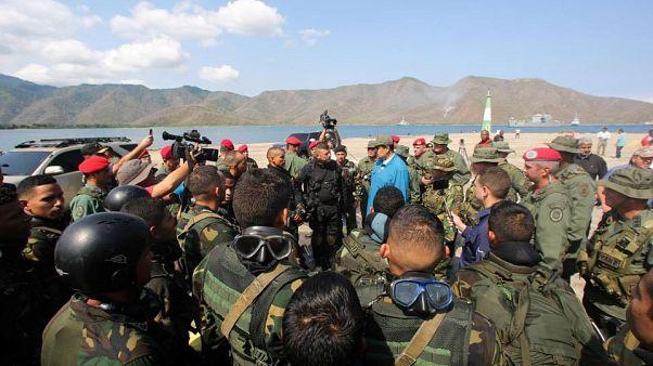ABD Venezuela ordusu ile temas halinde: Maduro'yu terk edin