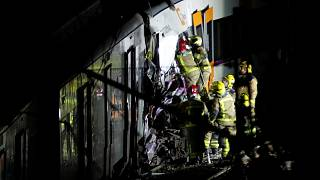 Zugunglück bei Barcelona: 1 Tote, 100 Verletzte