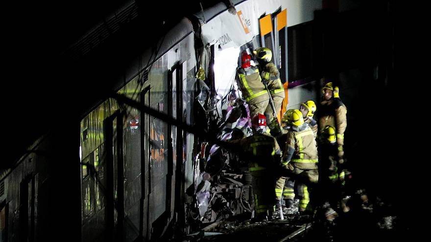 One dead in suburban train crash outside Barcelona