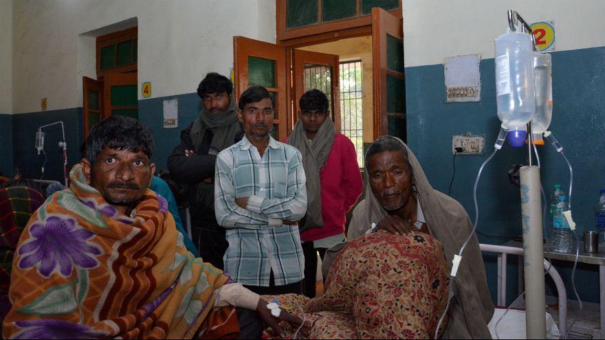 مشروب الکلی ارزان قیمت در هند جان بیش از ۱۰۰ تن را گرفت