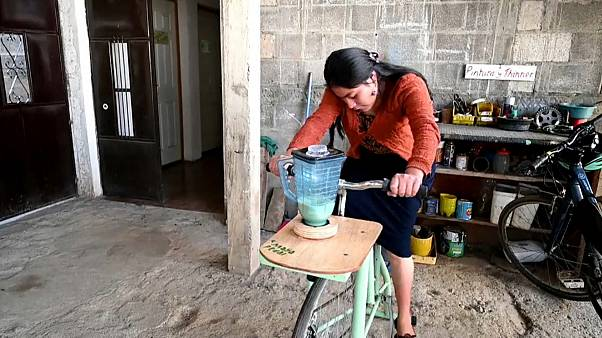 Guatemalans transform old bikes into machines