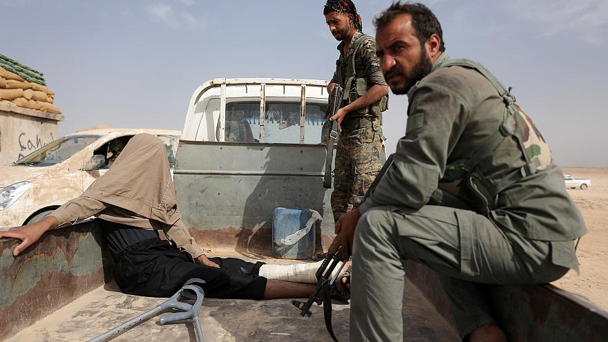 Syria: IS resists US-backed forces in 'final battle' near Iraqi border