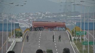 Com a ajuda bloqueada, venezuelanos vão à Colômbia buscar bens