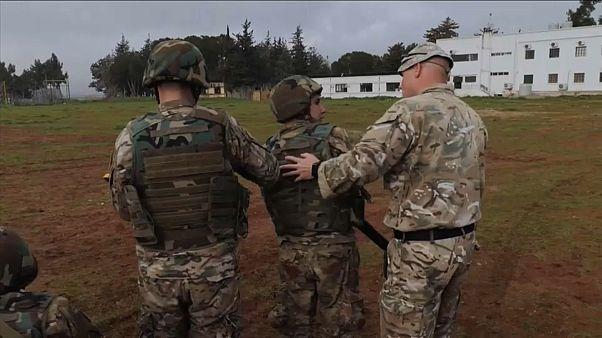 المملكة المتحدة تسهم ببناء تعزيزات حدودية بين سوريا ولبنان لمنع التسلل إلى أوروبا