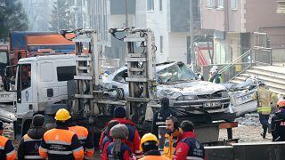 İstanbul Kartal'da bina çöktü