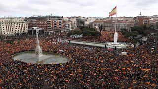 PP une-se à extrema-direita em protesto contra Pedro Sánchez