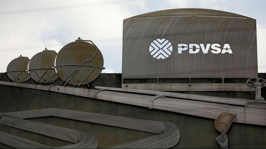 دولت مادورو برای ذخیرۀ درآمدهای نفتی به بانکهای روسیه روی آورد