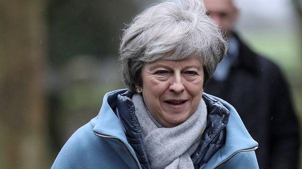 Brexit: May quer propôr novo debate no parlamento