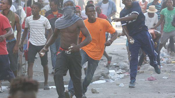 Акция оппозиции на Гаити обернулась кровопролитными столкновениями с полицией