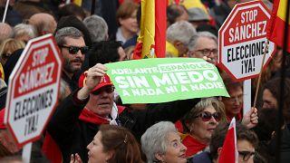 Tutti assieme appassionatamente, Vox, PP e Ciudadanos in piazza