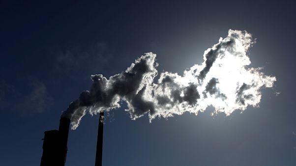 استطلاع: التغير المناخي يمثل أكبر تهديد أمني على العالم