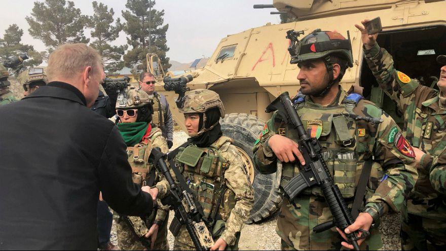 سفر غیر منتظره وزیر دفاع موقت آمریکا به افغانستان