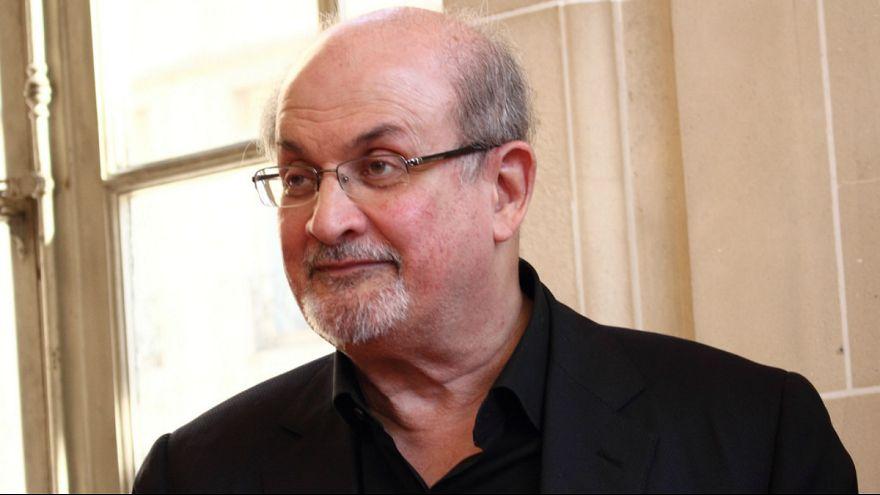 سلمان رشدی: دیگر نمیخواهم پنهانی زندگی کنم