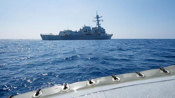 ABD savaş gemileri tartışmalı bölgede