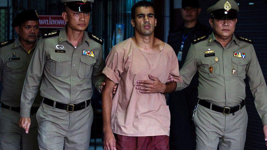 حكيم العريبي أثناء توجهه لمحكمة تايلاندية