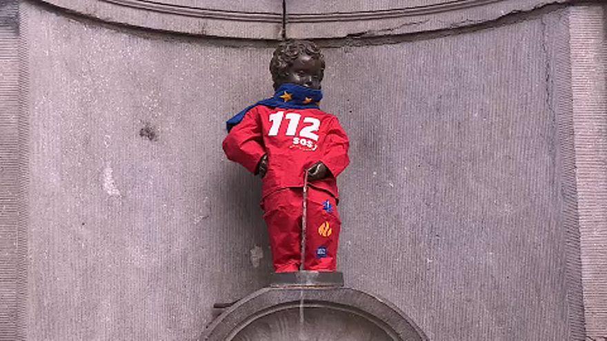 El Manneken Pis se viste con el 112 de las urgencias