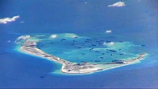 Amerikai hadihajók tűntek fel a Dél-kínai-tengeren