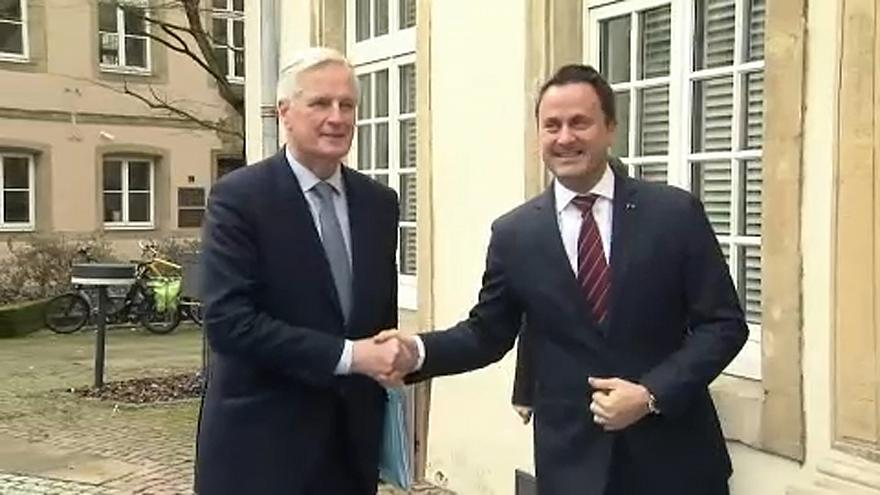Brexit : Michel Barnier lance un appel à Theresa May