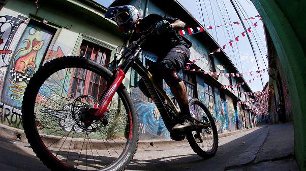 Las calles de Valparaíso, circuito de la 'Red Bull Cerro Abajo'