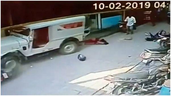 شاهد: أم ورضيعتها تنجوان من موت محقق بعد أن دهستهما سيارة مسرعة