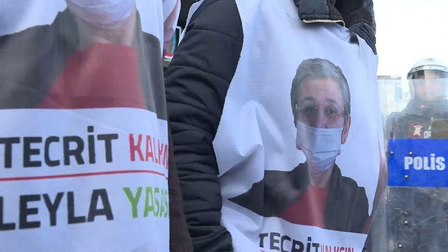 Autoridades turcas impedem marcha pró-curda