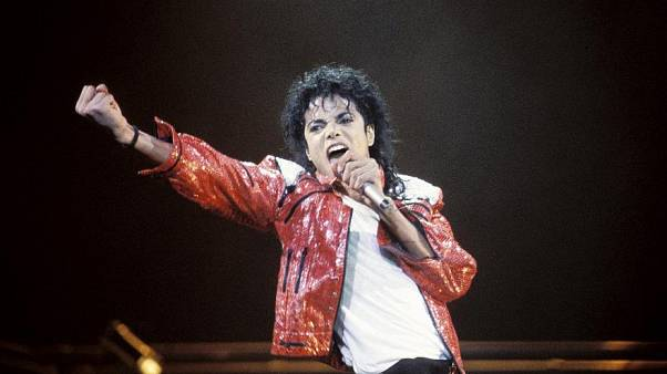 Michael Jackson performs