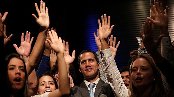Guaidó afirma que começou a chegar ajuda humanitária a Caracas
