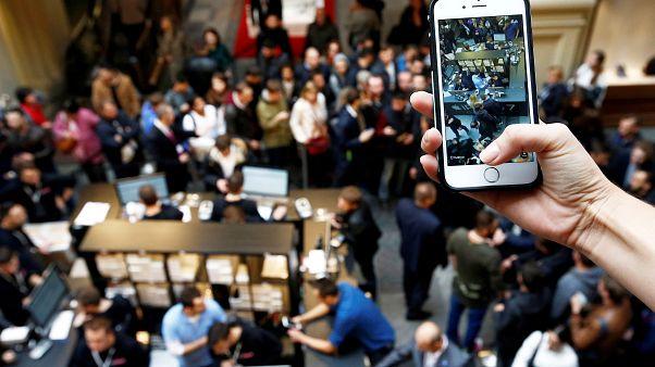 iPhone satışları yüzde 20 düştü, Huawei satışları yüzde 23 arttı