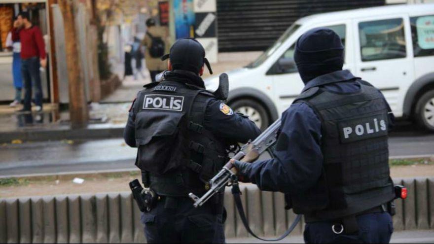 ترکیه دستور بازداشت بیش از ۱۱۰۰ نفر را به ظن ارتباط با گولن صادر کرد