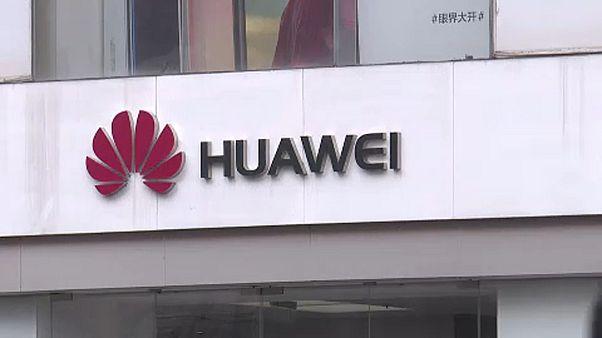 Magyarország kitart a Huawei mellett
