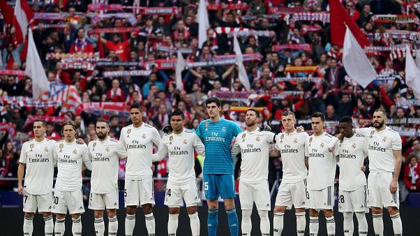 صورة تذكارية للاعبي ريال مدريد قبيل مواجهة الديربي