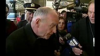 Tacizle suçlanan McCarrick papazlıktan menedildi