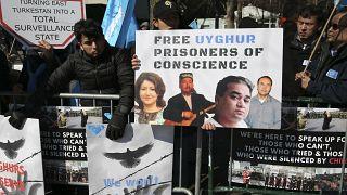 Doğu Türkistan'daki toplama kampların kapatılması için gösteri