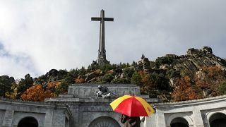 La directiva del Barcelona propone retirarle las medallas de oro a Franco