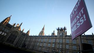 May pede mais tempo aos deputados britânicos