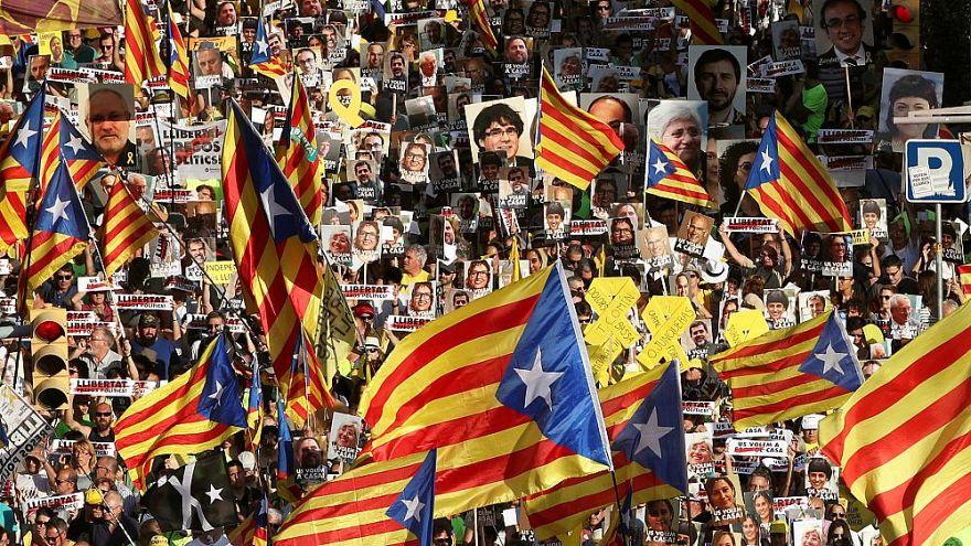 Prozess gegen katalanische Separatisten: Wer steht vor Gericht und warum? | Fragen & Antworten