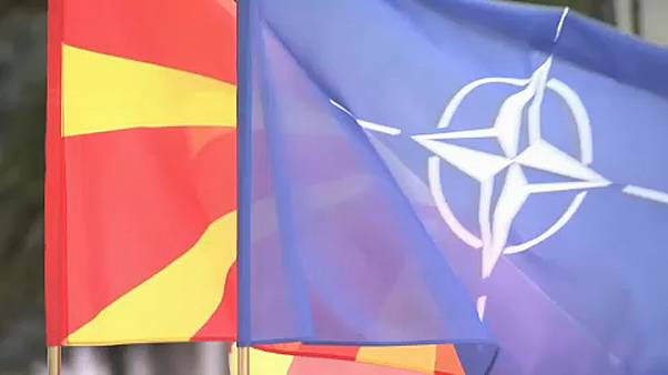 Macedónia do Norte hasteia bandeira da NATO