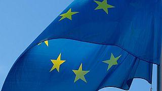 نواب فرنسا يصوتون على إلزامية رفع العلم الأوروبي في مدارس البلاد