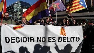 Katalán per: tüntetések pro és kontra