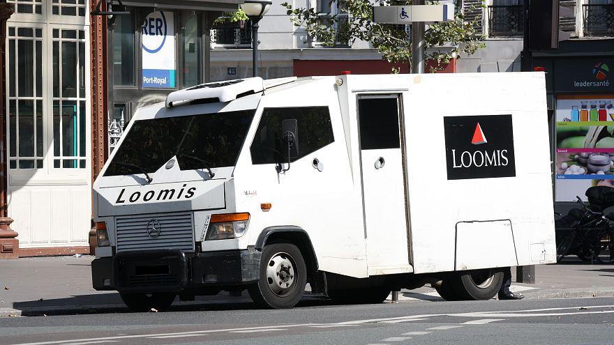 Fransa: Para nakil aracı soyguncusu saklandığı evde 3 milyon euro ile yakalandı