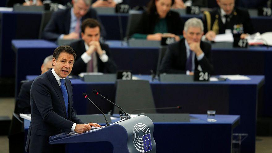 Il video in cui Verhofstadt dà del burattino a Conte e la replica del premier